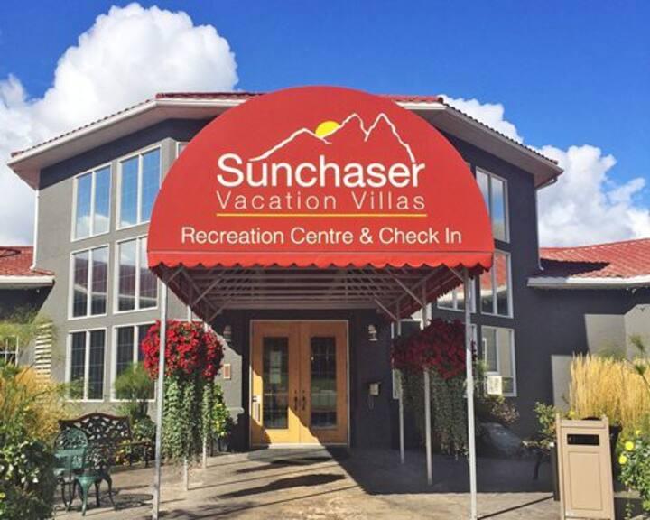 Sunchaser Vacation Villas: 1-BR, Sleep 4, Kitchen