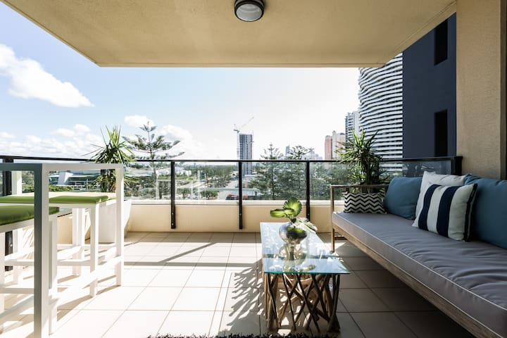 Boutique New York style Apartment - Broadbeach - Byt
