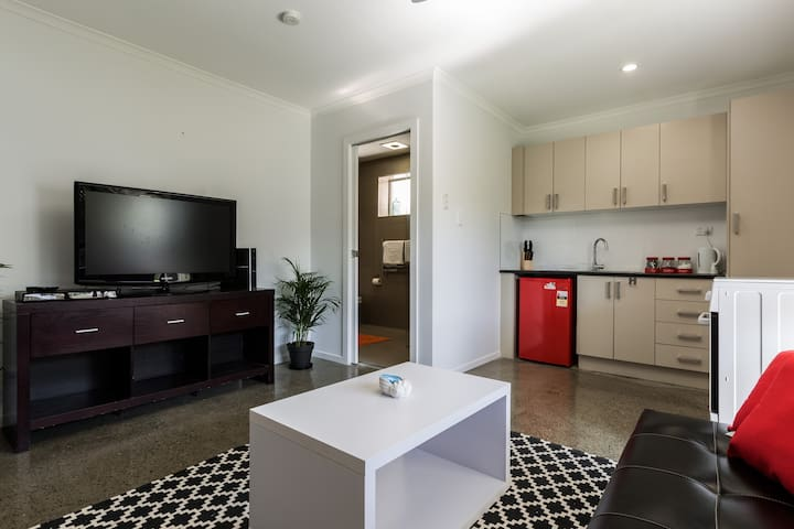BRAND NEW! BEST PRICE IN GOLD COAST