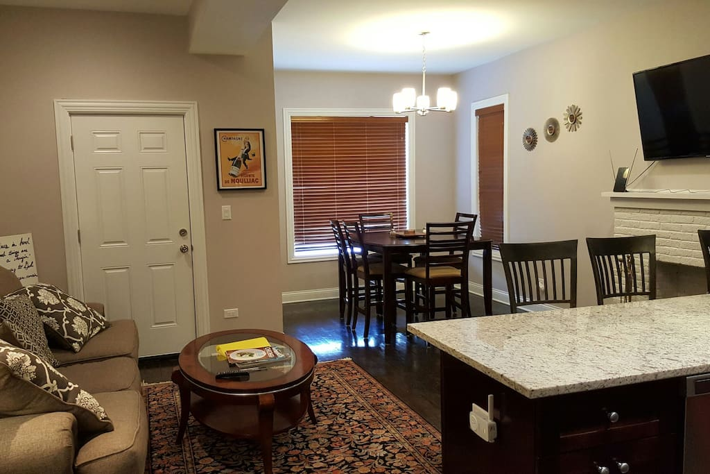 Remodeled 4 Bedroom 2 Full Bath Apartments For Rent In Chicago Illinois United States