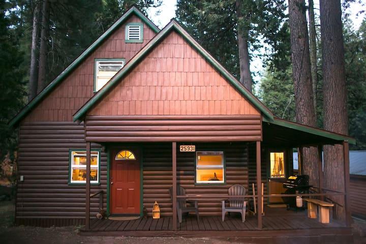 Cabin in the Sierras - Long Barn