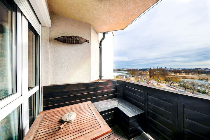 Budapest Condo With Balcony and Garage - Budapeşte - Daire