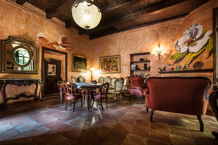 B&B Re Alarico in old town cosenza - Cosenza - 家庭式旅館