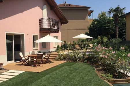 Villa Arzilla - デセンツァーノ·デル·ガルダ