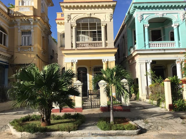Hostal Casa De Luca Bed & Breakfast 2 - La Habana - Bed & Breakfast