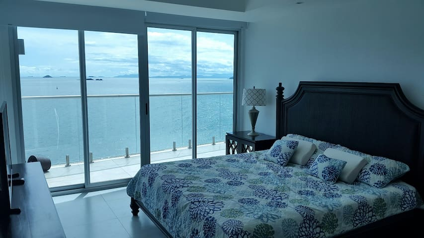 Spacious 2 Bedroom on the Panama Canal - Panamá - Byt