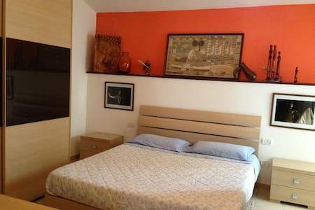 casa vacanza calasetta - Flat