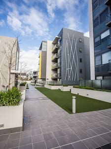 City View Apt on Perth's Best St. - Highgate  - Apartment