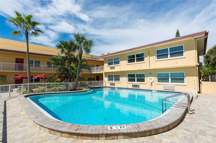 Large Ground Floor Unit with Upgraded Kitchens  Baths - Across From Johns Pass - Free Wifi - #115 Surf Song Resort