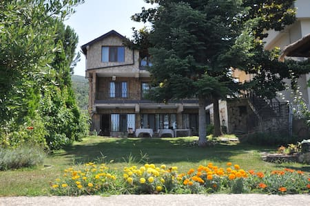 Villa at the shore of Lake Iznik - Orhangazi - 별장/타운하우스