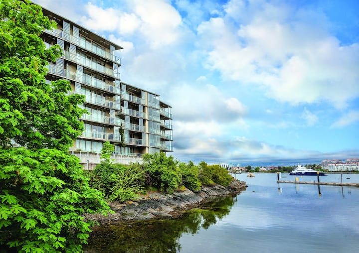 Victoria, Canada, 2 Bedroom Penthouse SN #1