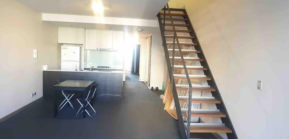 2-Bedroom split level apartment Alexandria