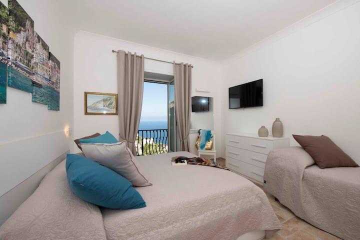 Amalfi Villa Anastasia: deluxe room with breakfast