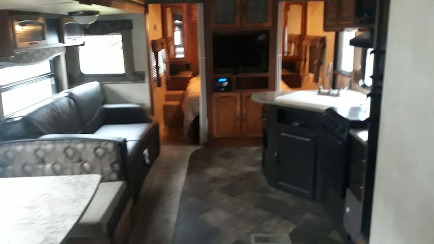 30' Travel Trailer Wallkill, No Cleaning Fees