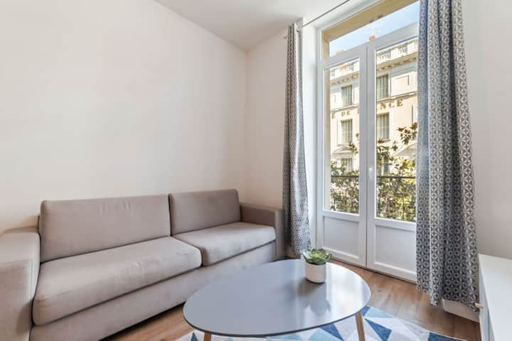 Lovely Apartment in Vichy near Opera Museum and Town Centre