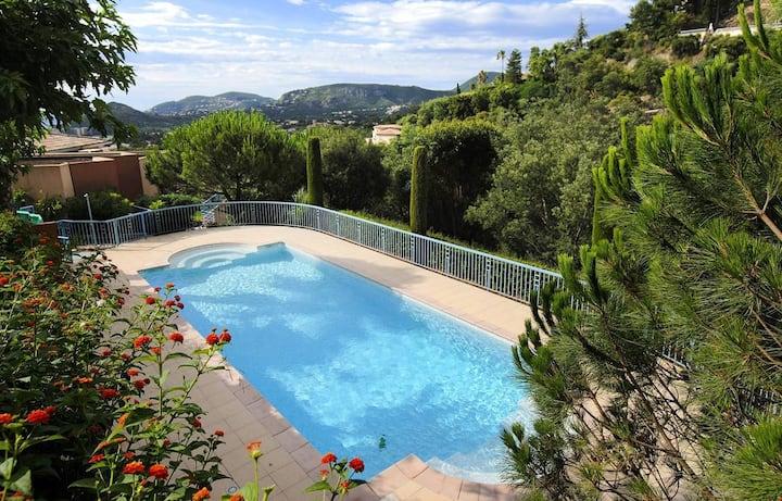 Beautiful a/c apartment - pool, terrace, sea view