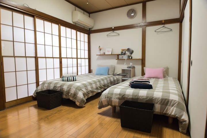 "shared room ""bed B"" in Honan area"