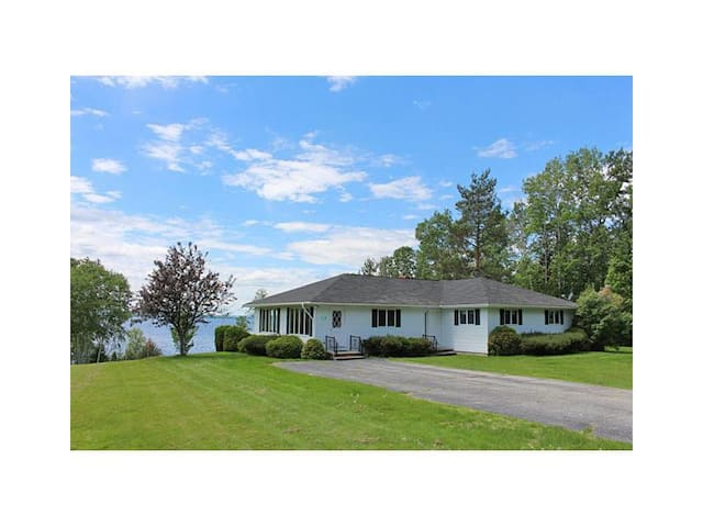 Deed's House - Beautiful views and dock and beach area on Rangeley Lake