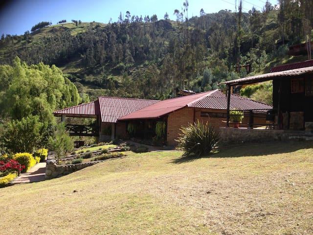 Casa de campo en Tomebamba Paute - Ecuador - Paute - House
