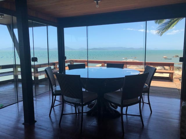 Exceptional property private beach - rare