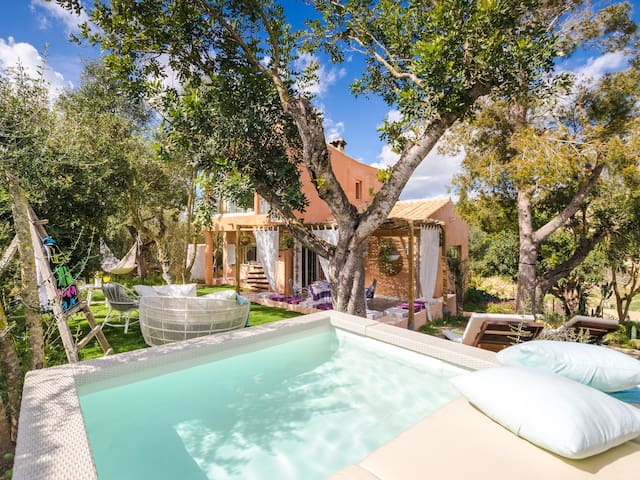 Amazing holiday home Sa Font with beautiful garden to relax