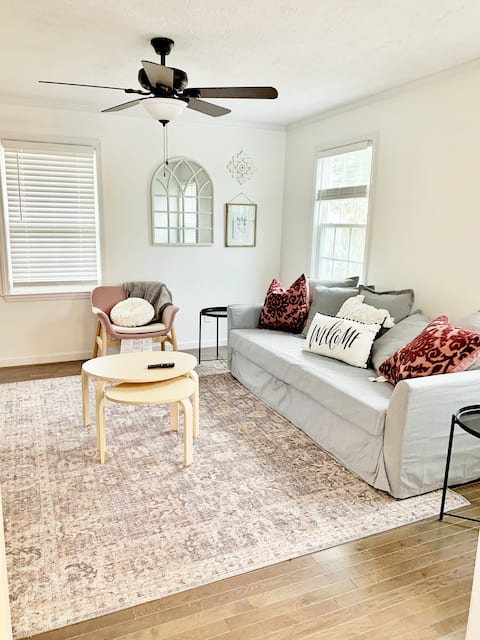 Newly Renovated Apartment B