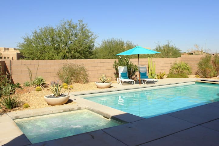 3 bedroom home with private pool - Tucson - Hus