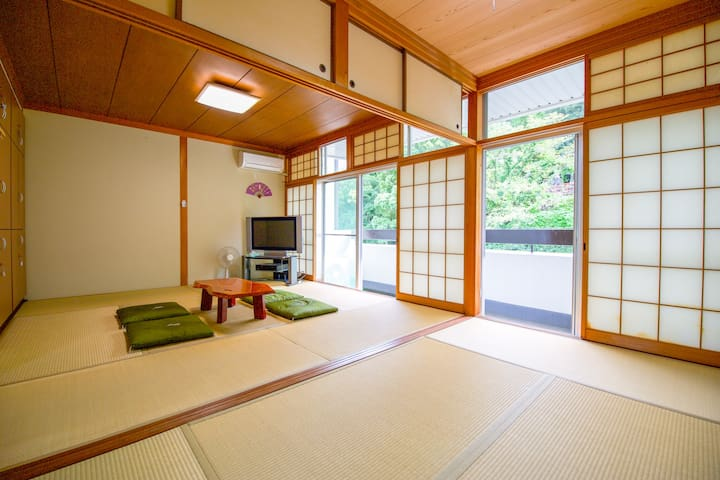 PRIVATE TATAMI  room in Tokushima center(5people)