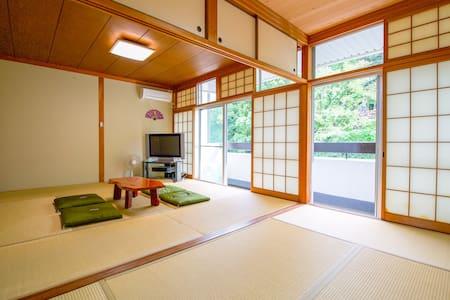 PRIVATE TATAMI room in Tokushima central (max. 6)
