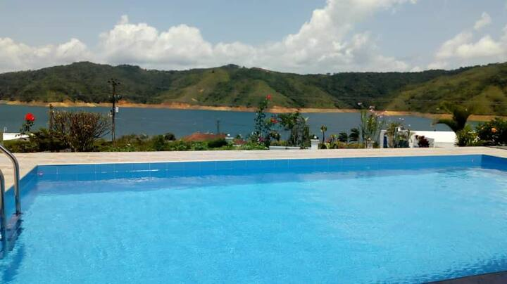 Lago calima hermosura del paisaje y naturaleza