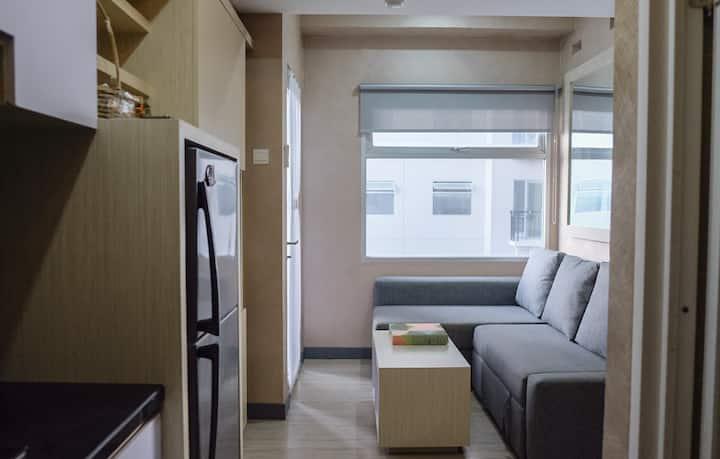 New!Minimalist Cozy 2BR Apartment, Great Location.