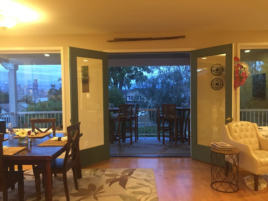 2nd floor deck, great for outdoor meals