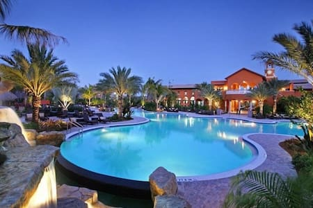 Vacation in Paradise at Lely Resort