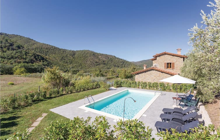 Holiday cottage with 3 bedrooms on 120m² in Cortona -AR-