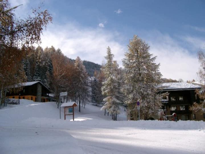 Duplex apartment, ski-in/ski-out, wifi, NetFlix