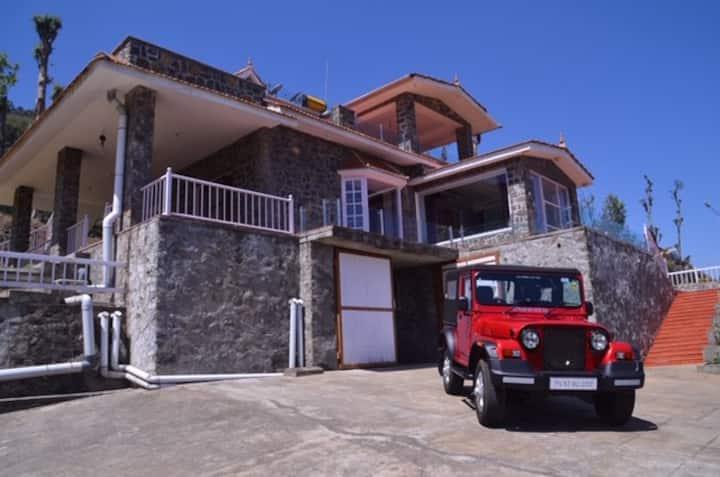 Amazing Kodai Villa With Great Views - AarnaResort