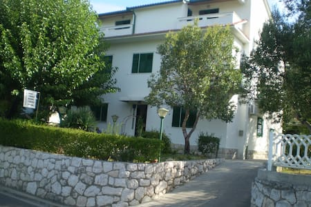 Kuća Mira - Supetarska Draga - Byt