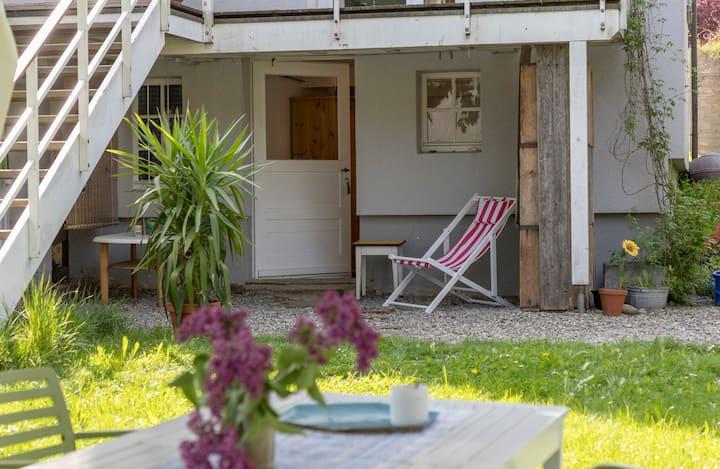 Gartenzimmer mit eigenem Eingang