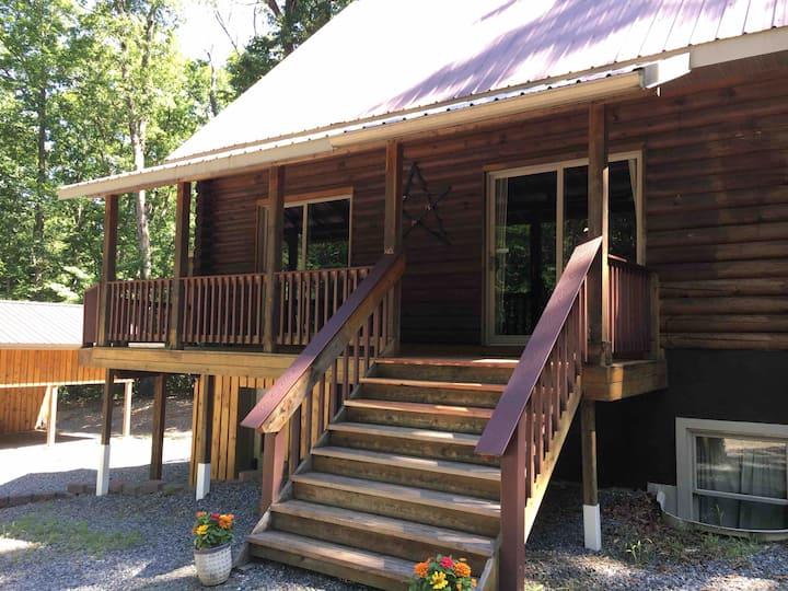 Cozy Quiet Log Cabin @ Lake Anna (Public Side)