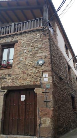 Casa Rural Nestazar ll - Berceo - Rumah