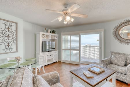 Gulf-view condo w/ beach access, private balcony, & shared indoor/outdoor pools