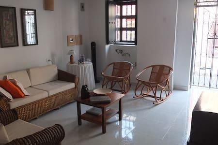 Cómodo cuarto con 2 camas sencillas - Cartagena - Huis