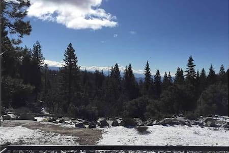 Stunning Views from Shaver Lake Luxury Cabin - Townhouse