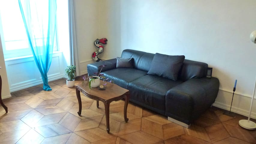 charming,central old apart.8' toUNO
