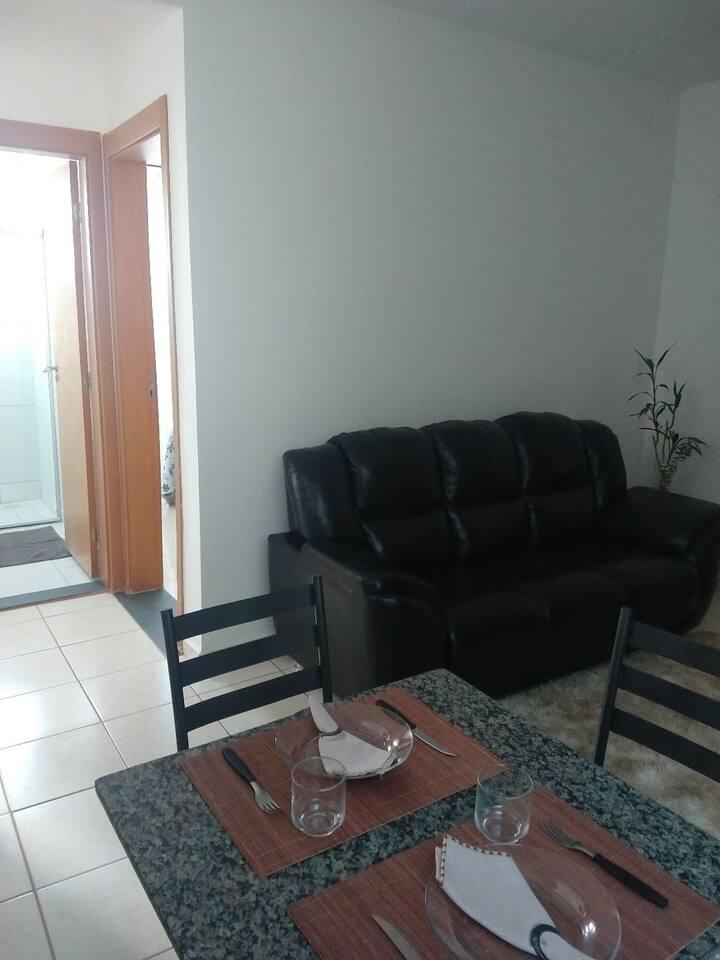 Apartamento confortável e seguro para sua estadia