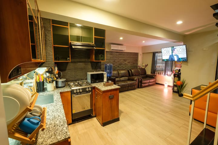 Fully furnished loft condo w/ 2BR near airport