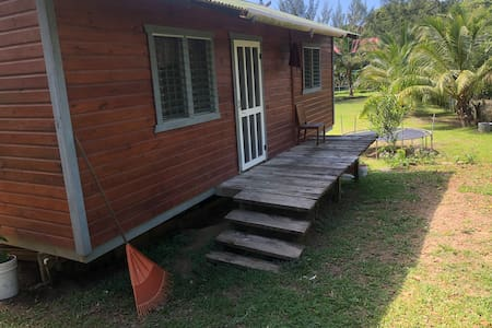 Roatan cozy vacation bungalow