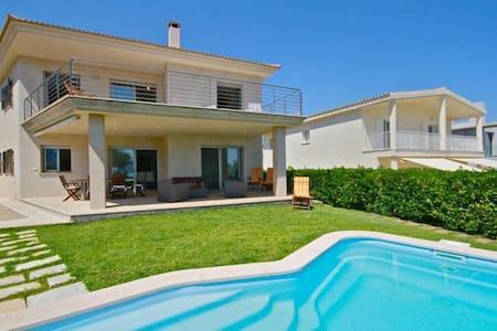 Chalet/villa en primera linea playa - Urbanització s'Estanyol