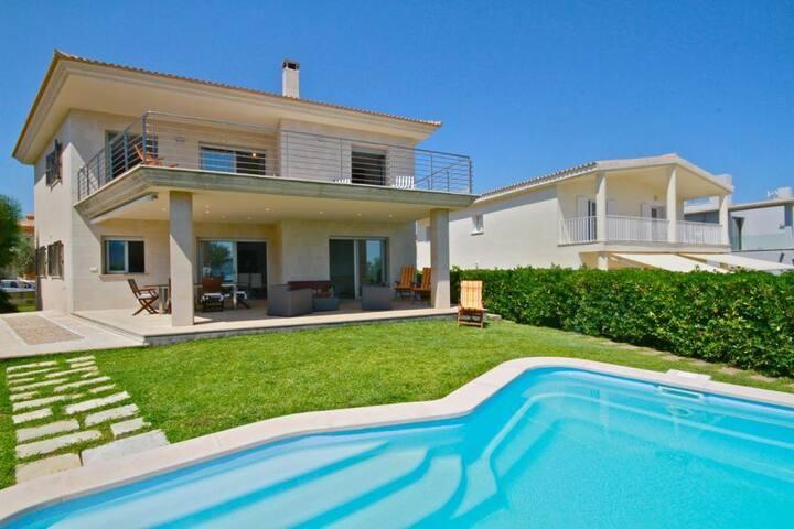 Chalet/villa en primera linea playa
