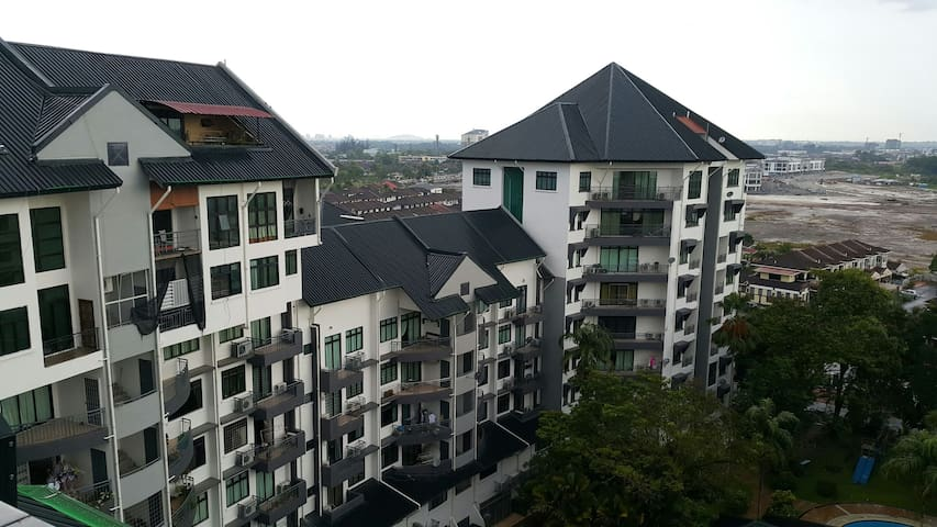 Cozy & Spacious Penthouse Unit - Kuching - Wohnung